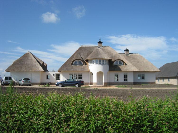 Levensduur rieten dak omgeving vakfederatie rietdekkers - Van schaduw dak ...